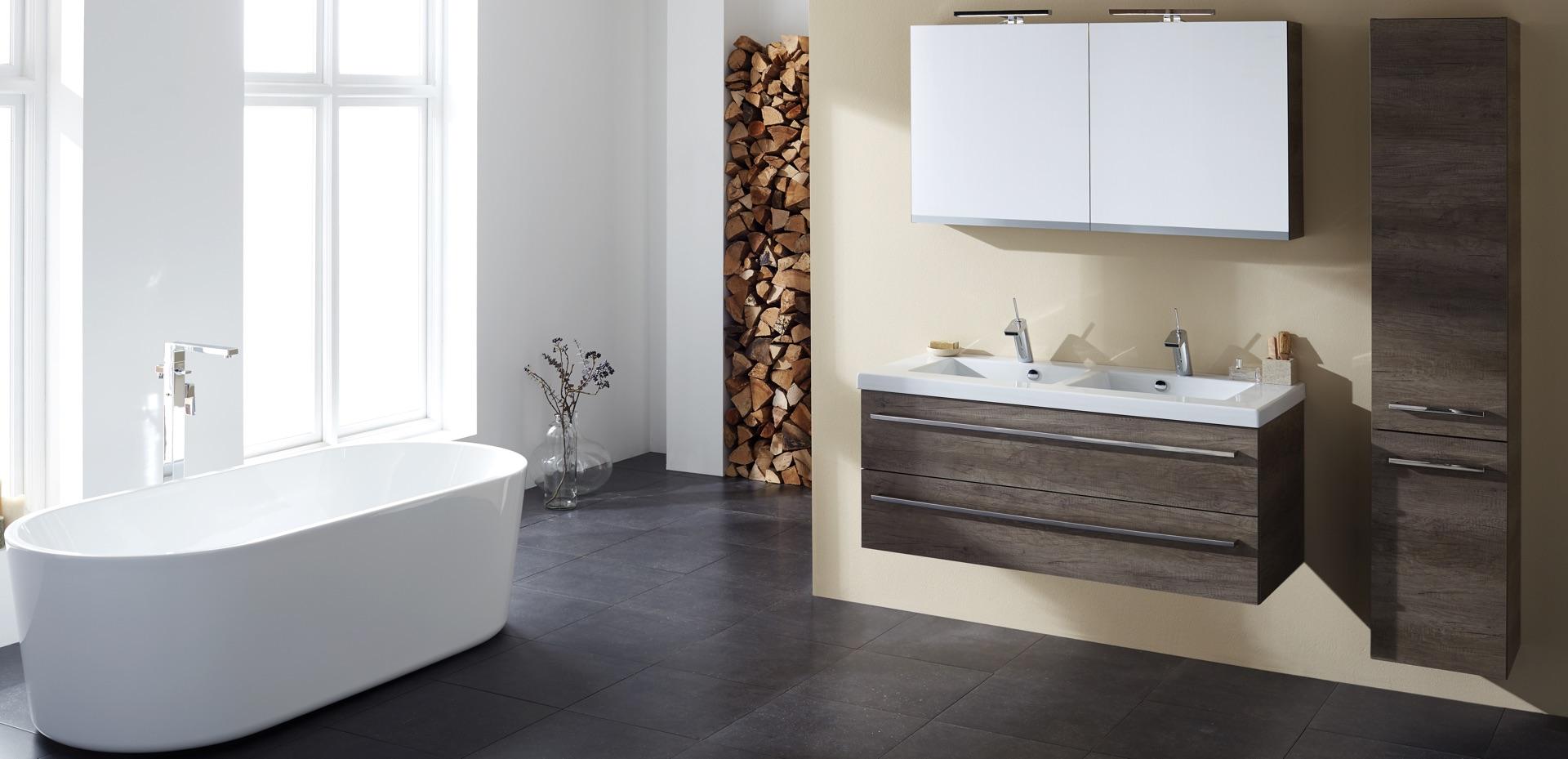 mijn-bad-in-stijl-badkamer-zwart-bruin-wit