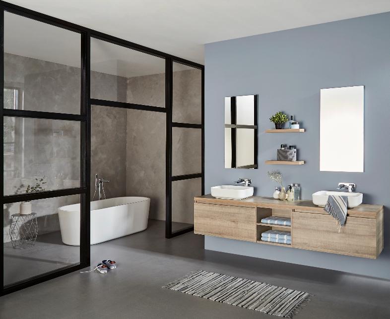 Mijnbadinstijl-moderne-badkamer-badkamerinspiratie-zwarte-frames