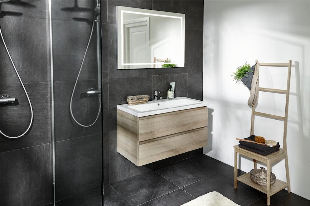 mijnbadinstijl-compact-en-compleet-badkamer-houten-meubels