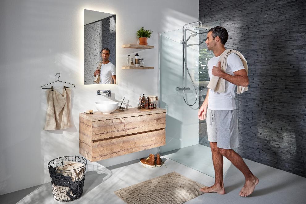 mijnbadinstijl-compact-en-compleet-badkamer-natuurlijk-hout