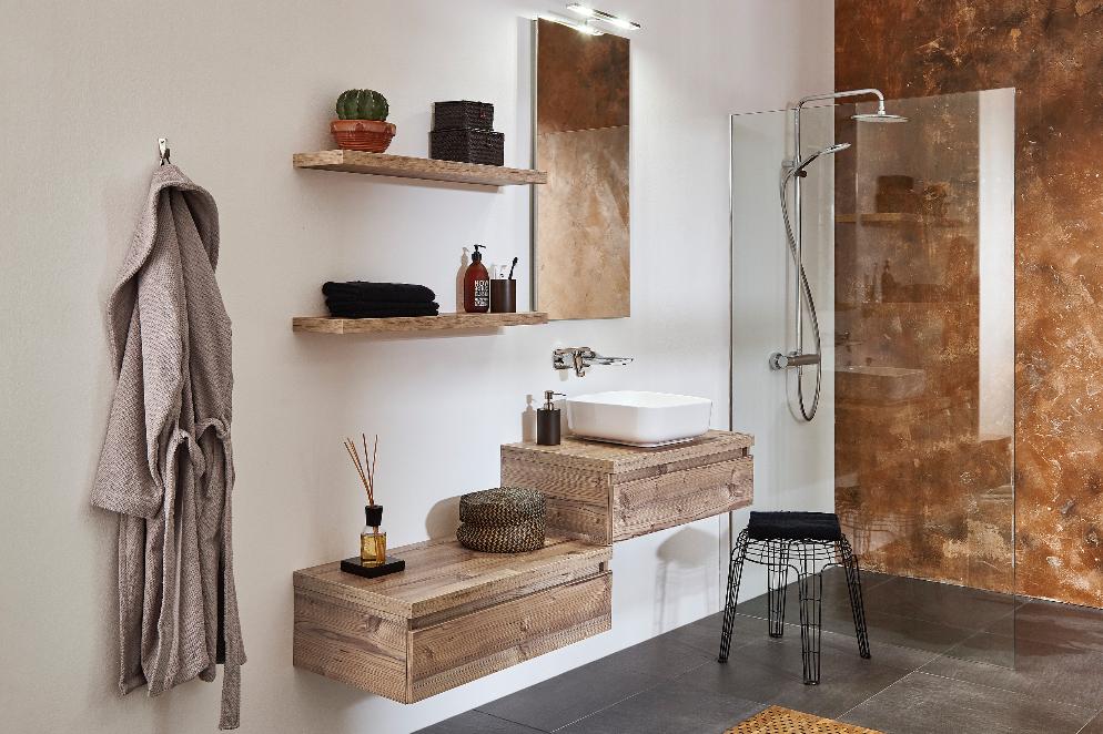 mijnbadinstijl-compact-en-compleet-badkamer-natuurlijke-materialen