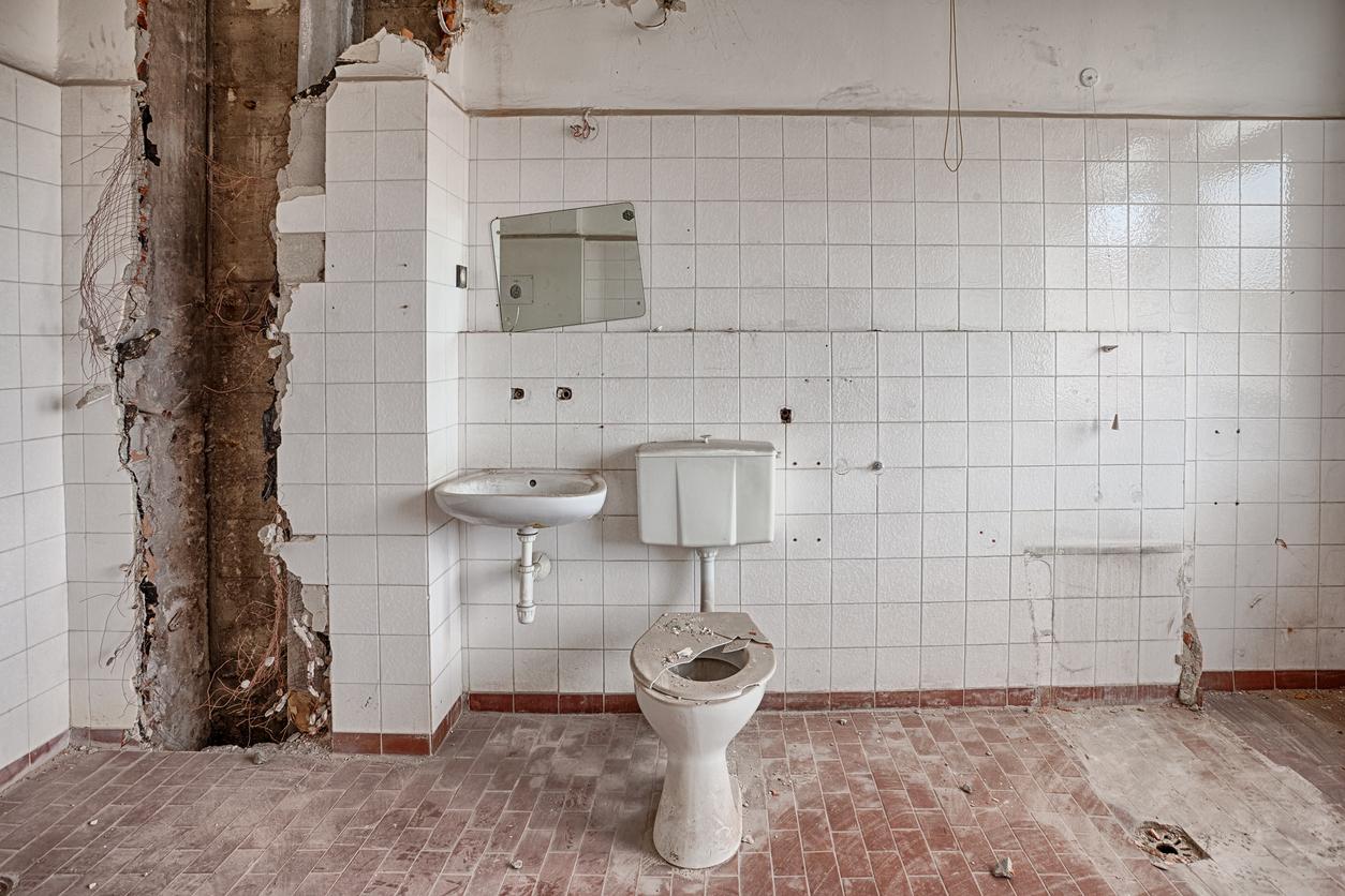Lelijke-badkamer-actie-wellness-weekend-witte-badkamer