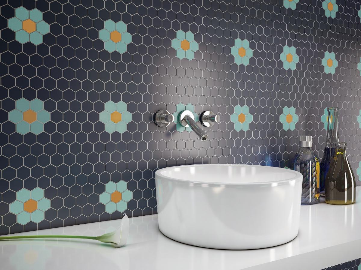 Mijn-bad-in-stijl-badkamer-verbouwen-tips-blauwe-tegels-bloemen