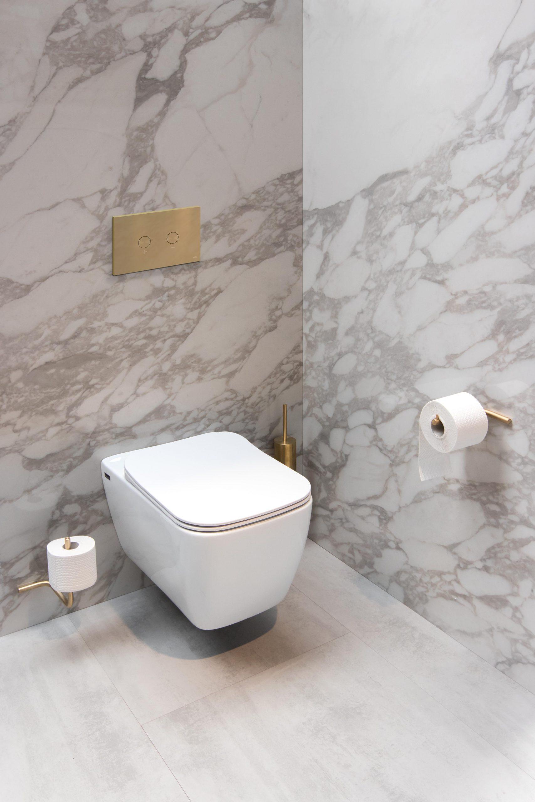 Mijn-bad-in-stijl-natuursteen-badkamer-wc