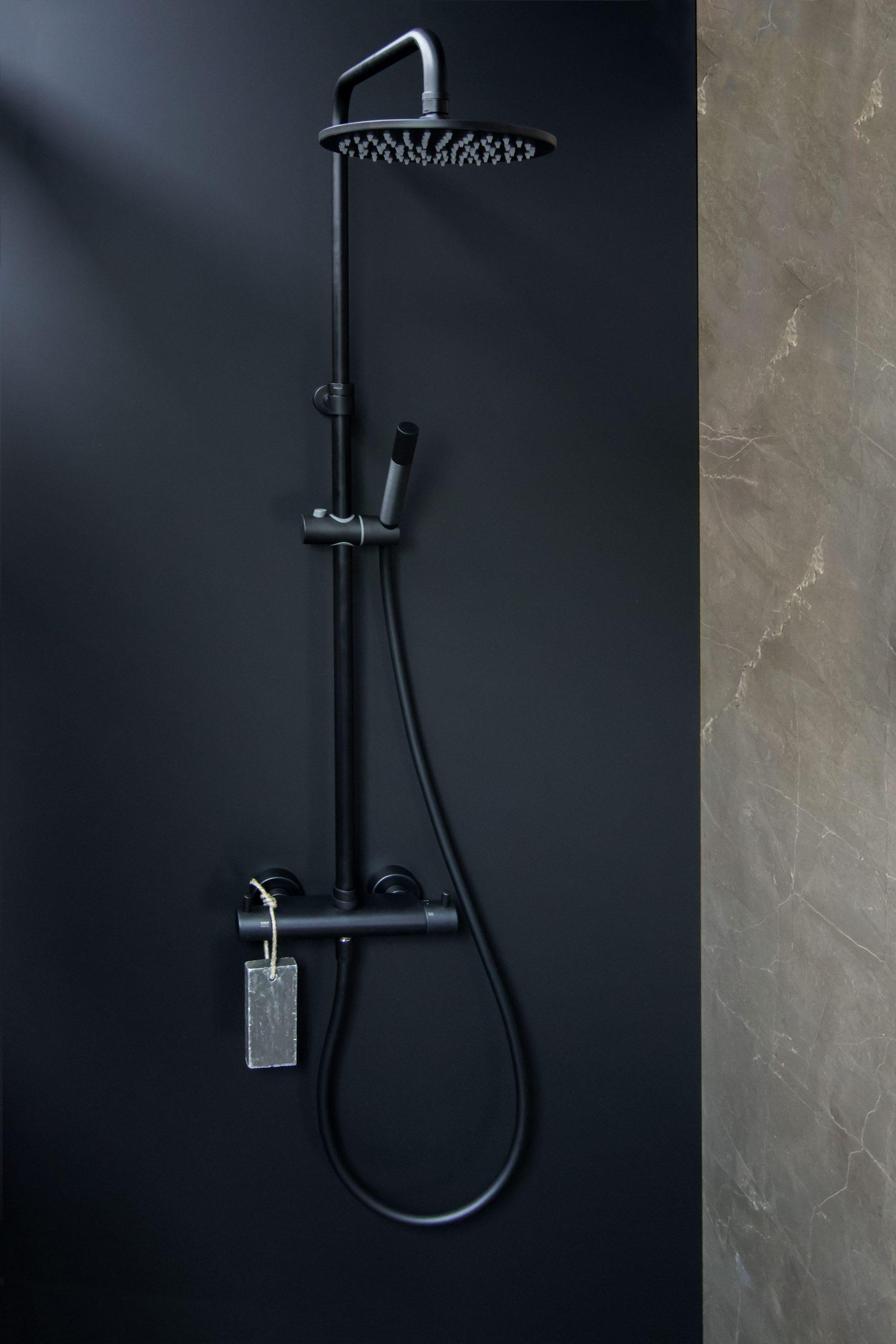 Mijn-bad-in-stijl-tip4-zwarte-details-douche-badkamer